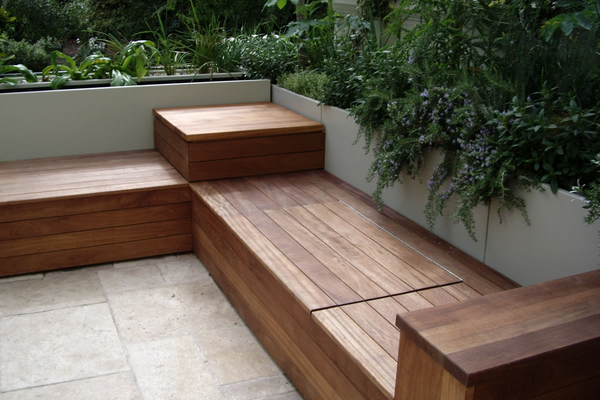Deck bench with storage karolciblog for Small deck seating ideas